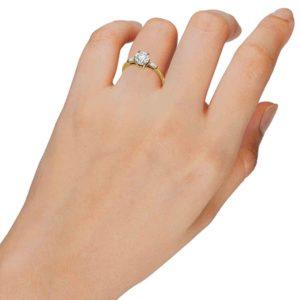 טבעת יהלום מרכזי 1.02