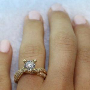 טבעת יהלומים משובצת זירקון מרכזית 1.50