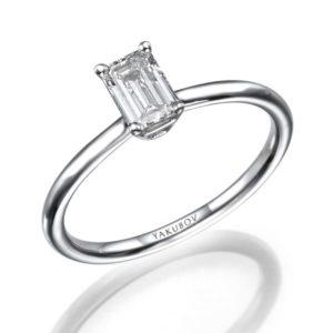 טבעת יהלום בצורת אמרלד מרכזית 0.52