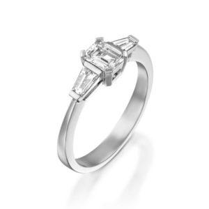 טבעת יהלום בחיתוך אמרלד 0.54