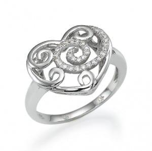 טבעת לב יהלומים