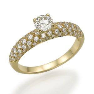 טבעת יהלום מרכזי