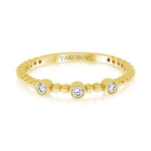 טבעת זהב משובצת