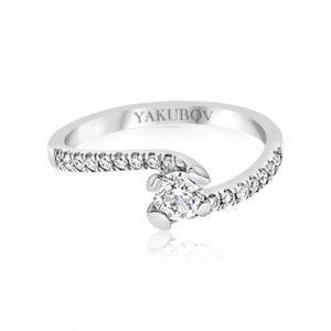 טבעת אירוסין טוויסט יהלום 0.30