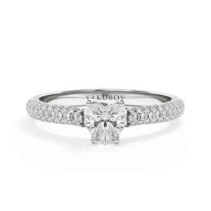 טבעת לב משובצת יהלומים 0.40
